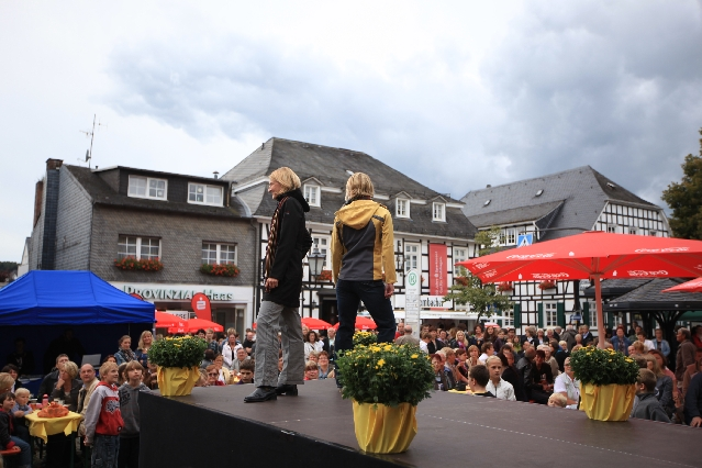 markplatzfest2011-191