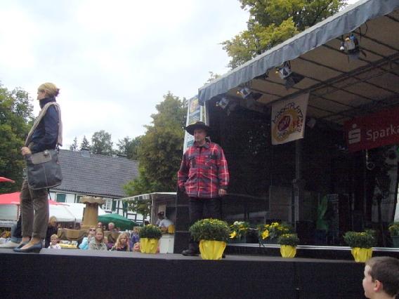 markplatzfest2011-323
