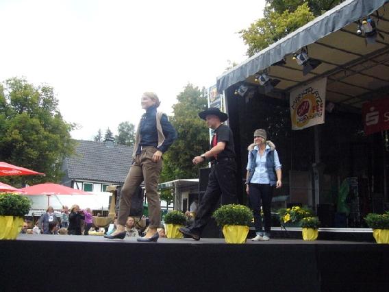 markplatzfest2011-325