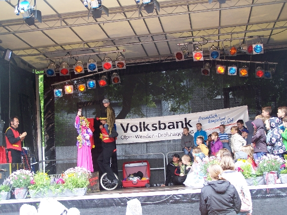 marktplatzfest2013-037